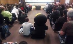 OpenFest 2012 пингвин слуша лекция